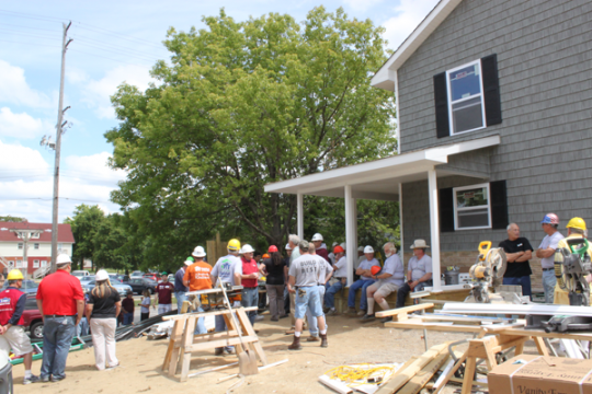 University of Michigan-Flint Entrepreneurs Society and Genesee County Habitat for Humanity Work/Live home