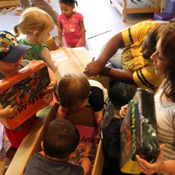 Artist Dale Chihuly Sends Gifts to UM-Flint Early Childhood Center
