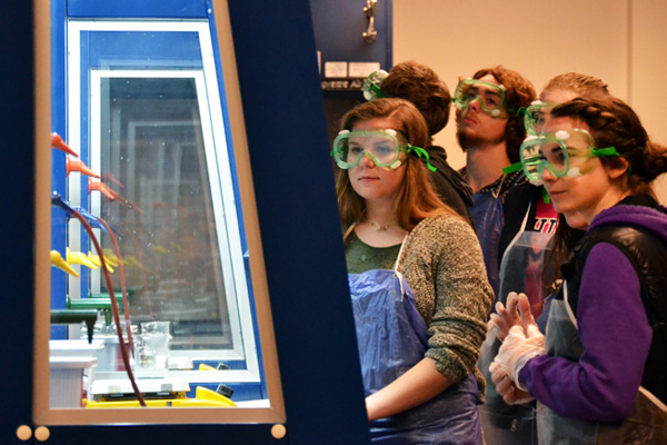 Honors Chemistry students from Byron visit UM-Flint labs on a field trip.