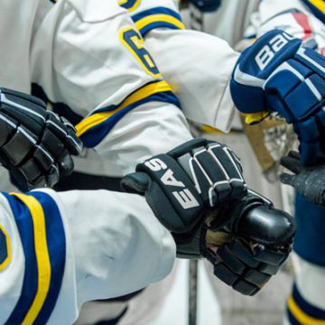 UM-Flint's Women's and Men's Hockey Teams play back-to-back on Saturday, February 4, 2017