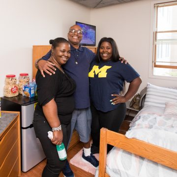 Nickyl Nelson and her family at First Street Residence Hall for Move-In Day