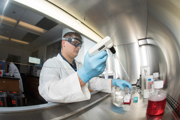 Zack Clor: UM-Flint Chemistry & Biochemistry major