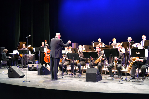 """Associate Professor Brian DiBlassio conducts the UM-Flint Jazz Ensemble as they play Don Wyant's arrangement of """"Over the Rainbow."""""""