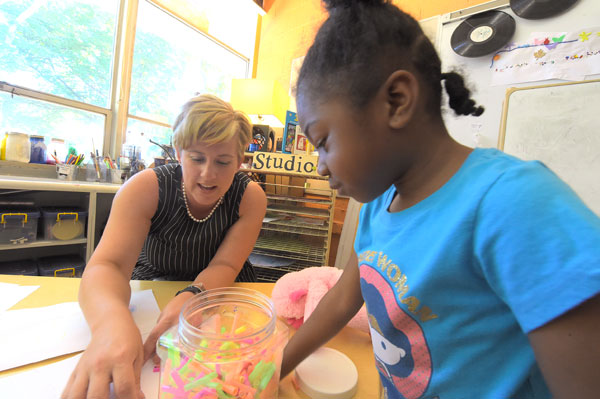 Early childhood educator Lyndsay Carey with Cummings student Journee Ruffin