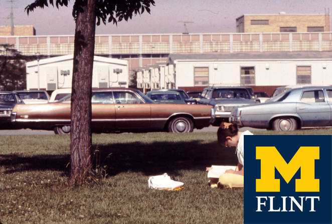 Image showing the trailers that housed faculty and staff offices.